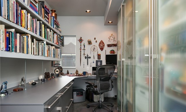 Home office has all that you need in the way of storage. Tons of